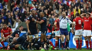 Wayne Barnes played 20 minutes additional time during the France-Wales tie