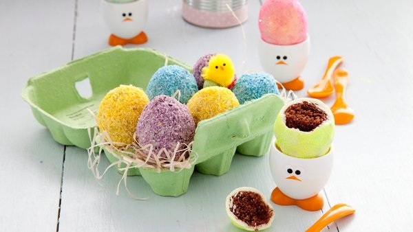 Foodoppi's Easter Egg Cakes: Today
