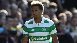Scott Sinclair scored two goals in Celtic's draw against Hibernian.