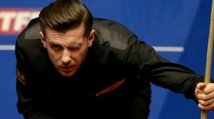 Mark Selby leads 9-7 against Ding Junhui