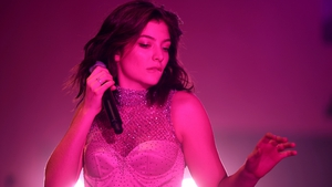 Lorde performs in a sparkling outfit on the Coachella Stage!
