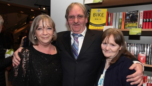Paddy Armstrong with his wife Caroline (L) and sister Josephine (Pic: Sean McKernan BX)
