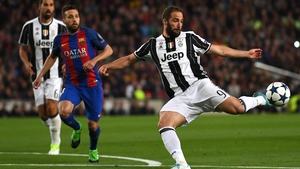 Gonzalo Higuain looks set to move to Chelsea on loan
