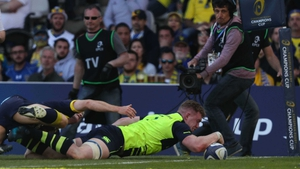Dan Leavy stretches to touch down but the try was disallowed
