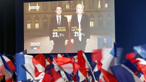 A screen shows the state of play during the first round of the French Presidential Elections
