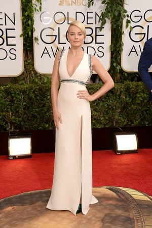Looking sublime at the 2014 Golden Globes in this plunging neckline Gucci gown!
