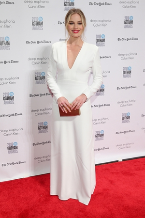 Grace embodied. The actress is wearing Calvin Klein at the IFP's Annual Gotham Independent Film Awards in 2016.