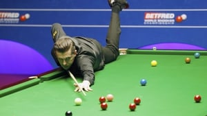 Mark Selby is on course to retain his title