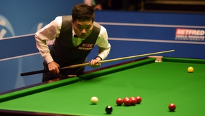 Ding Junhui has opened a 5-3 lead over Mark Selby in the opening session of the World Championship semi-final