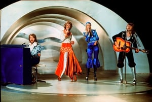 The legendary band ABBA became famous after their victory at the Eurovision contest in 1974! They performed their song 'Waterloo' in very shiny and very seventies 'rodeo chic' ensembles.