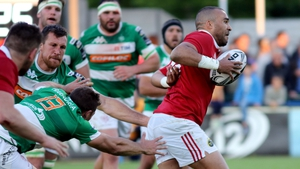 Simon Zebo brushes past the Treviso defence