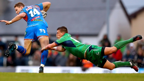 Liam Williams is tackled by Marnitz Boshoff