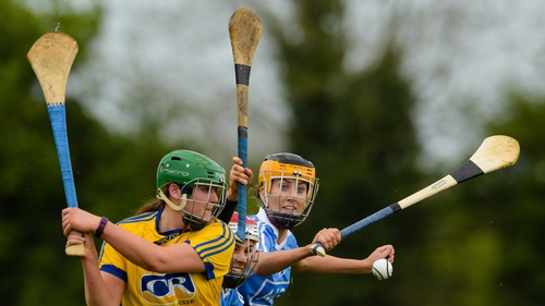 Dublin's Emma Barron and Laoise Quinn try to get a block on Susan Spillane of Roscommon