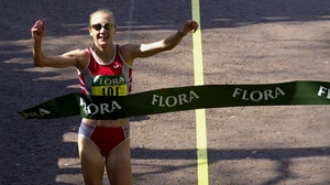 Paula Radcliffe set the women's  world marathon record of 2:15:25 in 2003