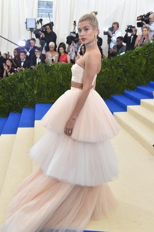 Hailey Baldwin looked like a delicate ballerina in this Carolina Herrera gown and hair bun.