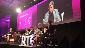 Michael Rosenblum speaks at the 'Is Journalism Dead' panel at MoJoCon 2017.