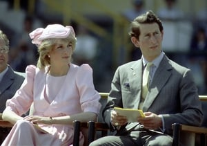 Diana often wore ultra feminine conservative ensembles earning her the nickname 'Shy Di'.