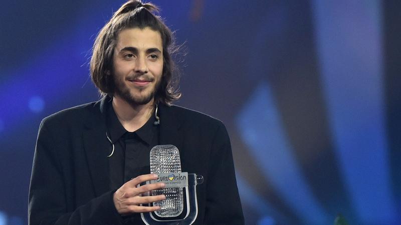Portugals Salvador Sobral Wins Eurovision  With His Beautiful Ballad Amar Pelos Dois