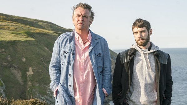 """Oisín Stack (r) with Shane Richie in Redwater - """"It's the very definition of cliffhanger"""""""
