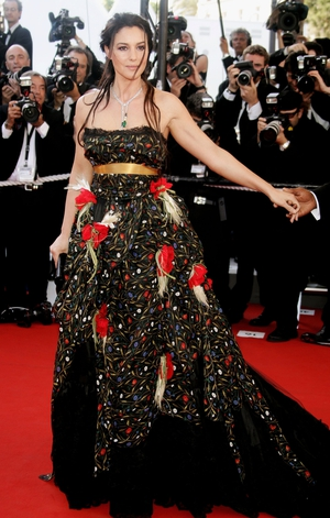 Flower Power! Another gorgeous donna italiana, Monica Bellucci, here attending the festival in 2006.