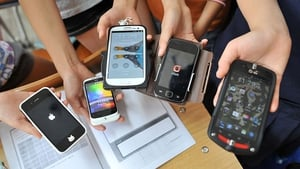 Data usage on mobile phones jump 52% in fourth quarter of last year - ComReg
