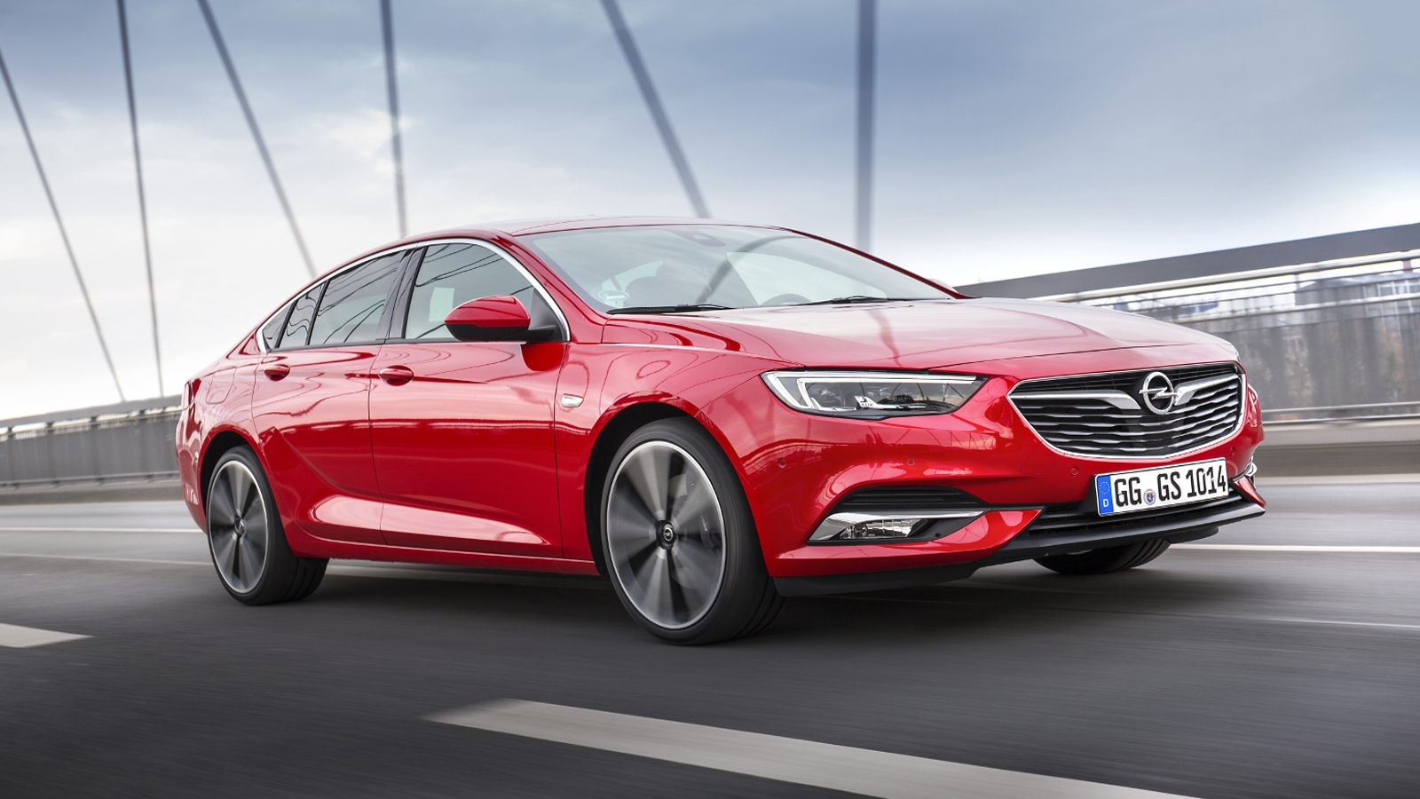 Hundreds of Opel Insignia cars recalled over fire risk