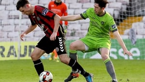 Bohs' Dinny Corcoran shields the ball from  Ciaran McGuigan of Drogheda United