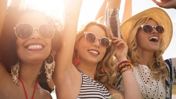 2017's Summer festival season has arrived and while we're all dreaming ofCoachella inspired crop topsand flower crowns, here in Ireland we have to get back to reality and wear outfits for all weathers.