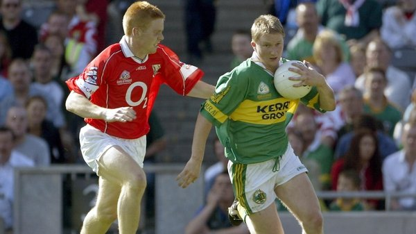 Séan Levis chases after Kerry's Mike Frank Russell during the 2002 All-Ireland football semi-final