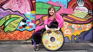 Ailbhe's sister Izzy rocking a Brosmind design.