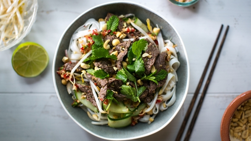 Learn how to make Donal Skehan's Vietnamese Beef Noodle Salad in just 25 minutes.