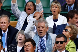 Dame Maggie Smith and Sir Ian McKellen sat in the royal box to watch Andy Murray take on Sam Querrey. Ian looked very dapper with a blue printed scarf over a checked shirt and striped tie.