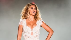 It seems that anything we can do Beyonce can do better and her post-pregnancy photos are no exception.