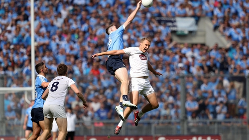 Dublin's Brian Fenton with Tommy Moolick of Kildare