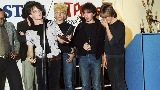 U2 receive a Stag/Hot Press award (1982)  © RTÉ  2110/003