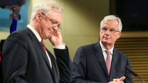 Clarification sought over Irish Border at Brexit talks | RTÉ News