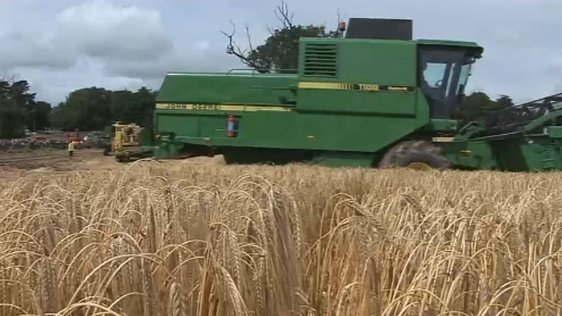 200 Combine Harvesters Set World Record