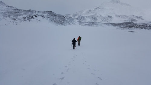 Cian and Morgan walk on to Crean Lake.