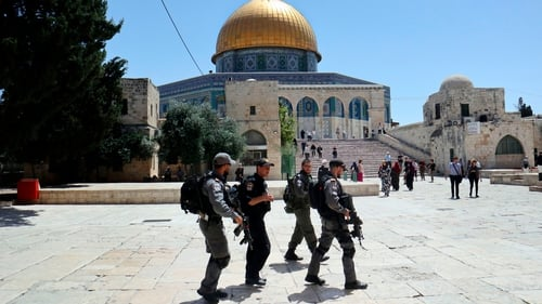 Israel to replace metal detectors with new security measure at Jerusalem mosque