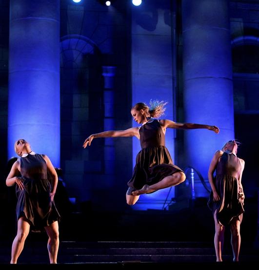 """""""Aon"""" by Ériu Dance Company, a new show by Breandán de Gallaí"""