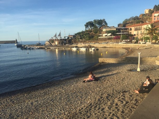 The beach in the heart of Collioure town