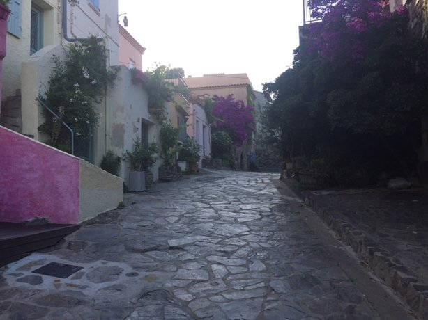 Pastel-coloure houses on the backstreets of Collioure