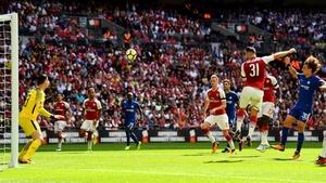Sead Kolasinac heads home Arsenal's equaliser