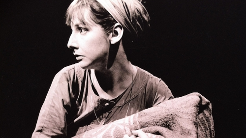 Pauline McLynn in The Caucasian Chalk Circle by Bertolt Brecht. Directed by Declan Hughes, Designed by Lynne Parker and first presented at Project Arts Centre as part of Dublin Theatre Festival in 1985. Photo: Amelia Stein