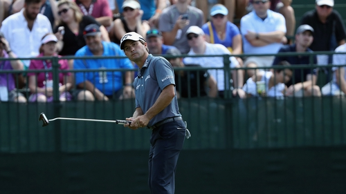Kevin Kisner has a one-shot lead