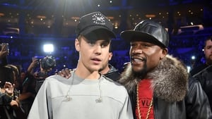 Bieber pictured with Floyd Mayweather
