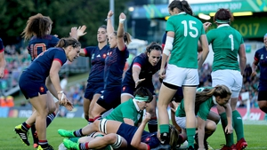 Romane Menager scores France's first try