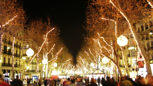Barcelona's Las Ramblas by night. Photo: Mamboz https://www.flickr.com/photos/mamboz/
