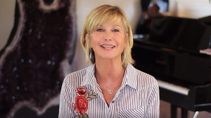 """Olivia Newton-John in her new video - """"I'm feeling great and so look forward to seeing you soon"""""""