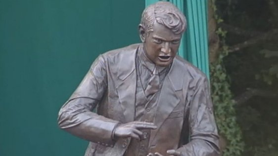 Michael Collins Statue in Clonakilty (2002)